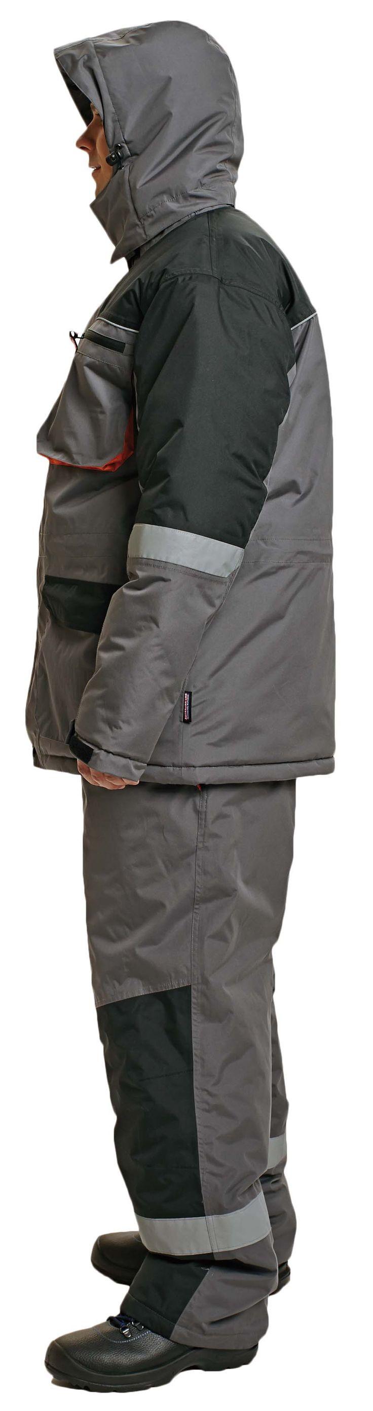 Kurtka o wygodnym i funkcjonalnym kroju dostosowanym do intensywnej pracy w warunkach zimowych. Mankiety w formie elastycznych ściągaczy zapobiegają wywiewaniu ciepła.