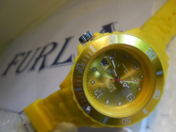 Jam Tangan Furla Yellow    Harga : 50.000        Hubungi :        Web : www.winsshop.com    BBM : 230 50 308        SMS/WA: 0857 147 129 52
