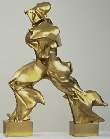 Umberto BOCCINI 'Unique Forms of Continuity in Space' 1912, bronze. =FUTURISM (Italian, extension of cubism, emphasis portrayal of technology and sense of speed and energy of modern urban life) reminiscent of Nike Victory as figure strides powerfully through space / made of plaster, cast in bronze after Boccioni's death