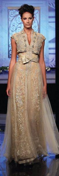 Randa Salamoun #FashionDesignerRandaSalamoun #Moda #Fashion #HighFashionFabrics #Tecidos #Telas #CoutureFabrics #HauteCoutureFabrics #Textiles