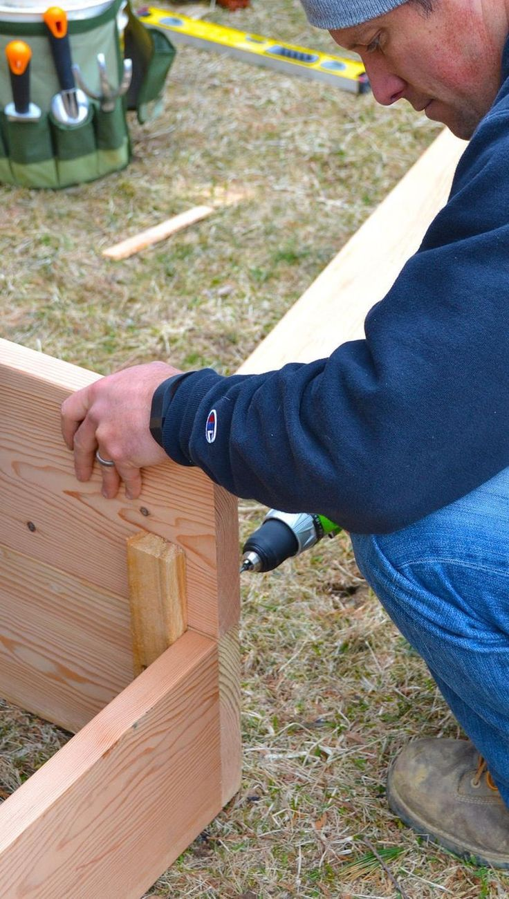 Your vegetables will thrive in a raised bed. Learn how to build a pallet planter for your backyard in no time, thanks to easy ideas from Chris Lambton!