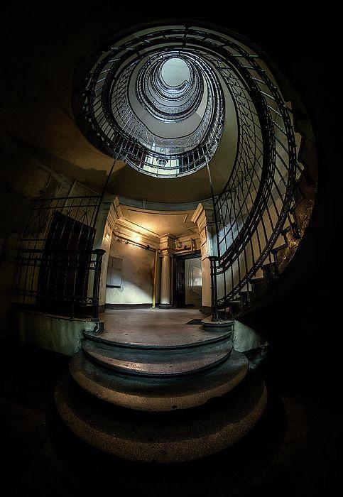 Best Dark Spiral Staircase Spiral Staircase Modern Stairs 400 x 300