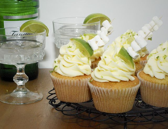 Gin and Tonic Cupcakes From Katie Cakes http://www.iheartkatiecakes.co.uk/2012/02/gin-and-tonic-cupcakes.html