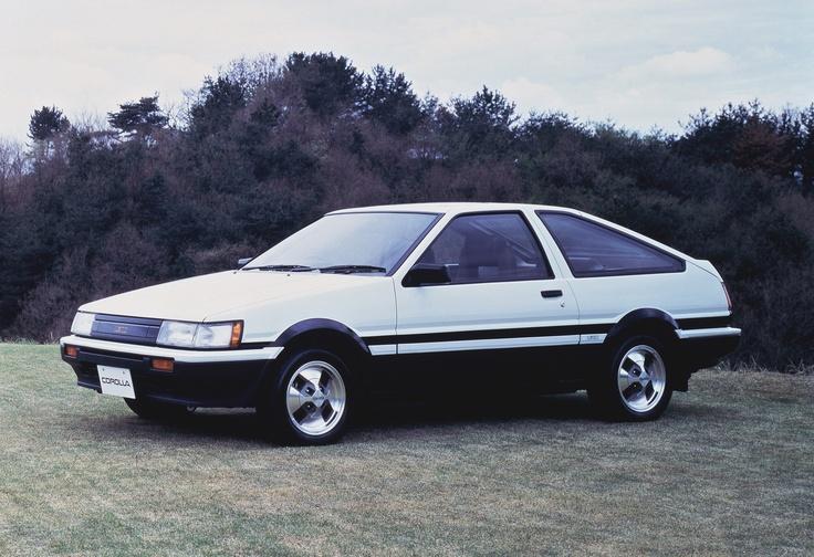 Toyota Corolla - Quinta geração (1983). Confira notícias sobre o mundo automotivo: https://www.consorciodeautomoveis.com.br/informacoes-consorcio-automoveis?utm_source=Pinterest