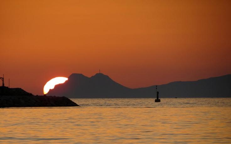 Sunset over Millionaire's Club and Marina