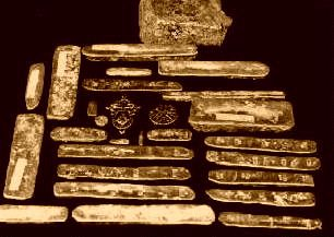 Treasure from the 1715 Atocha wreck pictured at left. Description from…