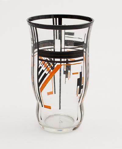 Helder glazen vaasje met emaille-verf Amsterdamse School decoratie ontwerp uitvoering A.J.van Kooten ca.1930