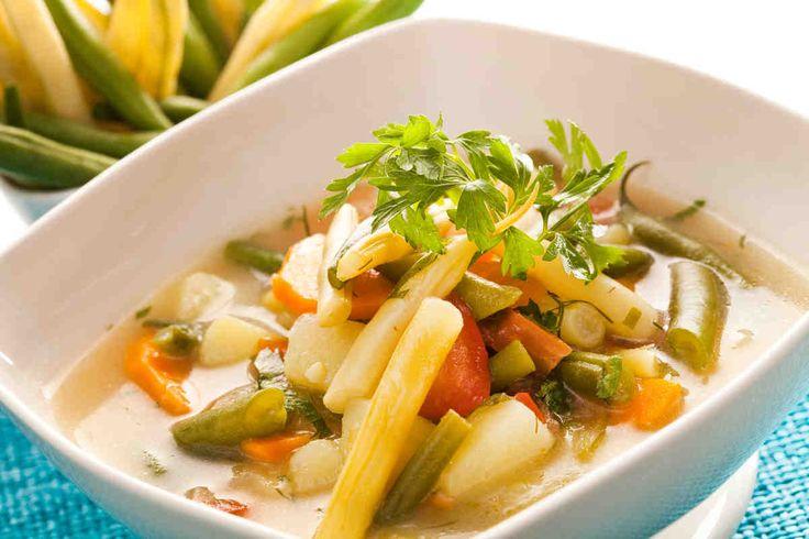 Zupa jarzynowa z fasolką szparagową #smacznastrona #przepisytesco #poradytesco #zupa #fasolkaszparagowa #pycha