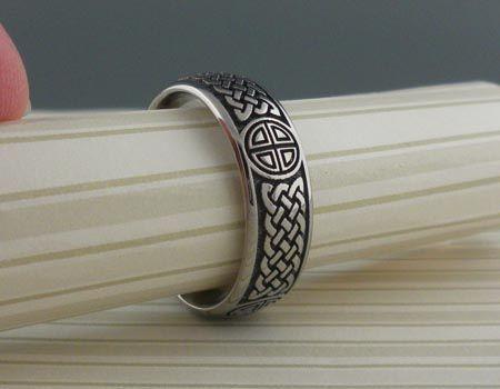 Nice Laser Engraved Celtic Titanium Wedding Ring