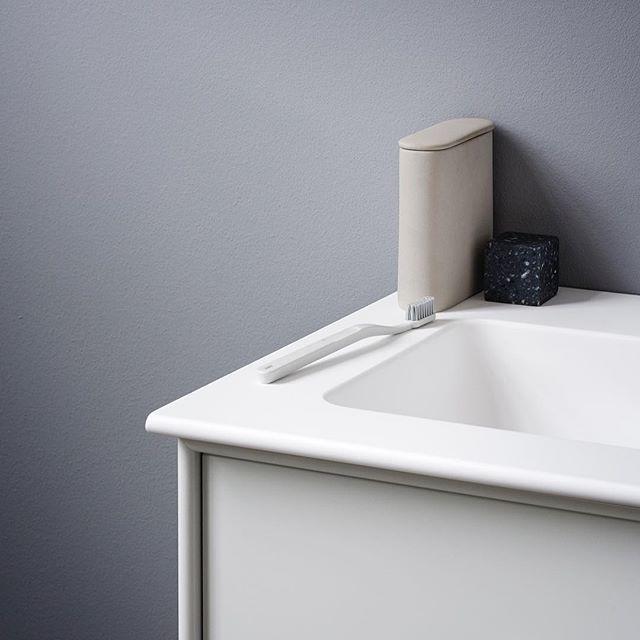 Montana Bathroom – choose it in Montana's 42 colours. #montanafurniture #danishdesign #bathroom #bathroomdecor #salledebain #badezimmer #badeværelse