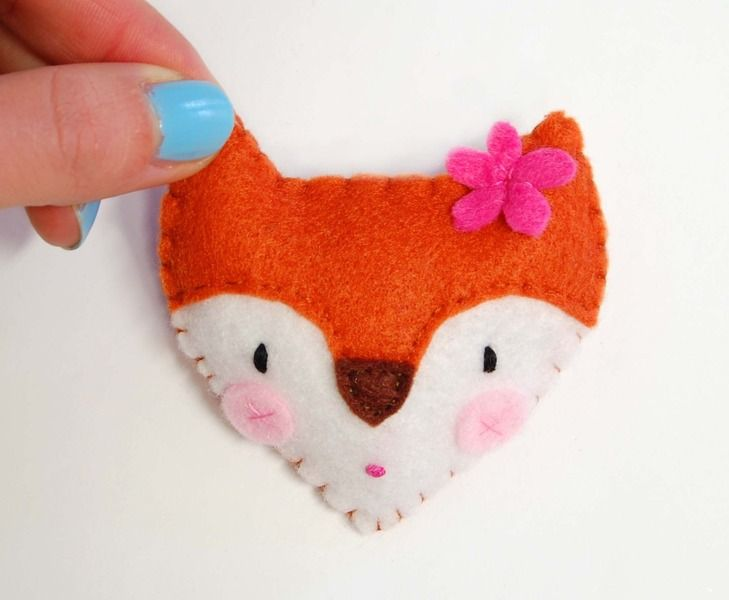 spilla volpe per bambina,feltro,regalo,compleanno di federica creazioni su DaWanda.com