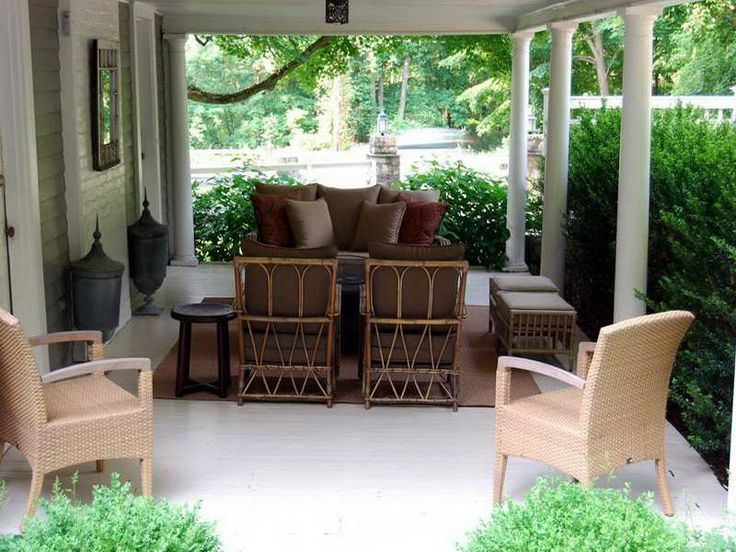 Front porch furniture with rug brown patio decor for Outdoor furniture for small front porch