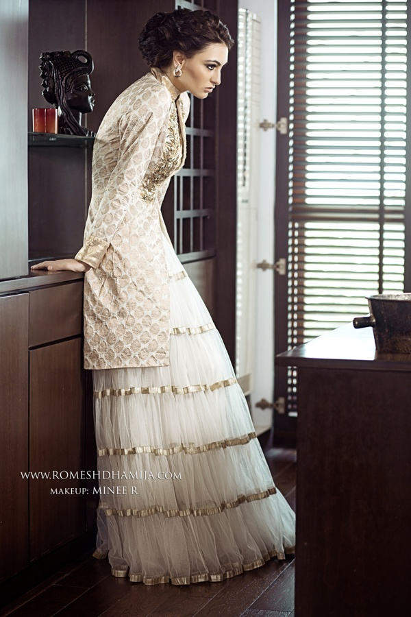 Indian Bridal Wear Photography: Romesh Dhamija;  Makeup: Minee R