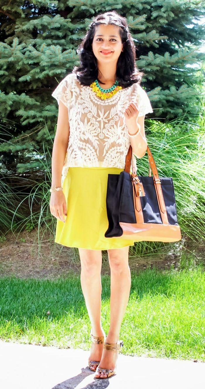 gelber rock kurz bluse spitze tasche sommer outfit