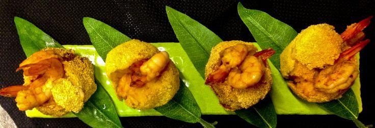 Acarajés with spicy shrimps