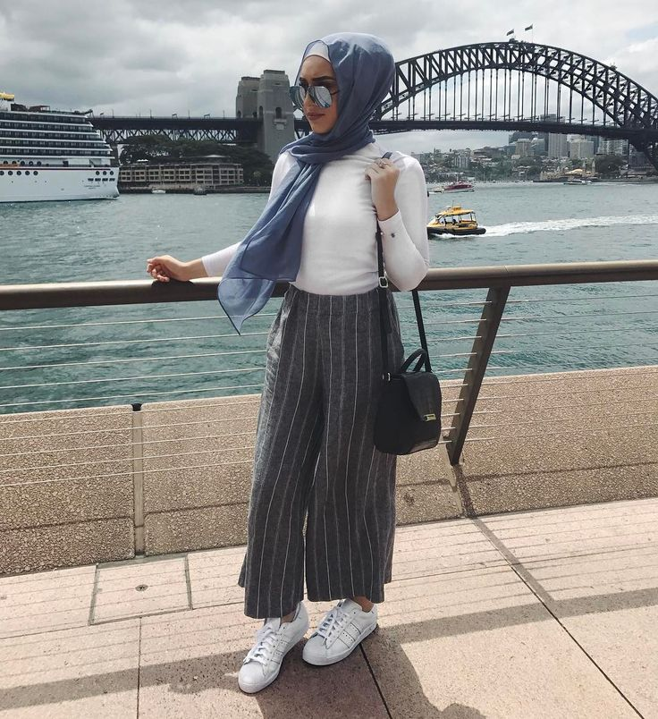 "2,813 Likes, 9 Comments - Hijab Fashion Inspiration (@hijab_fashioninspiration) on Instagram: ""Prices & links to order are listed on the blog www.hijabfashioninspiration.com/lace-dresses"""