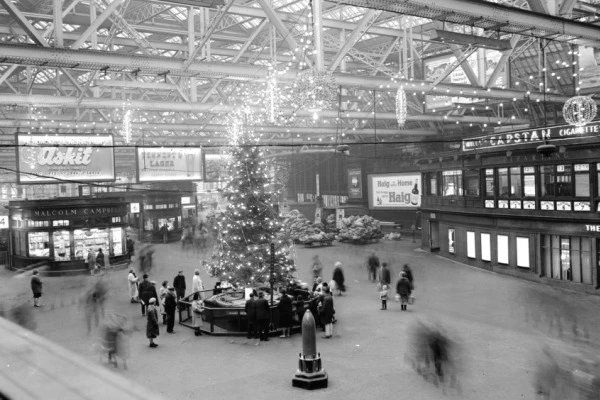Central Station, Glasgow in December 1965.