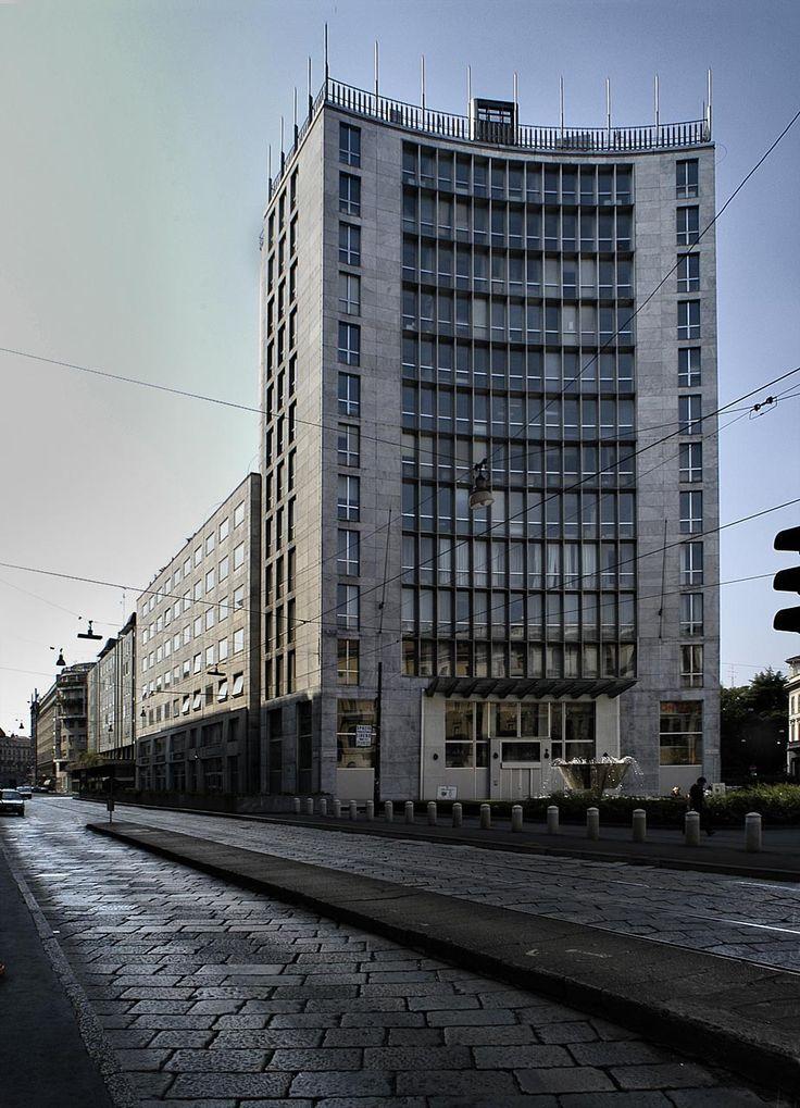 Secondo Palazzo Montecatini in Largo Donegani, Milano (1951) | Giò Ponti