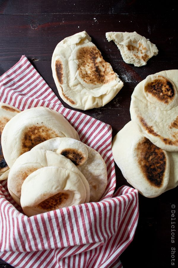 Homemade Pita Bread @Thuy Batts THese look delicious!!! Lets make them soon, I need your help cause we both know I'm not too gifted in the baking area :-)