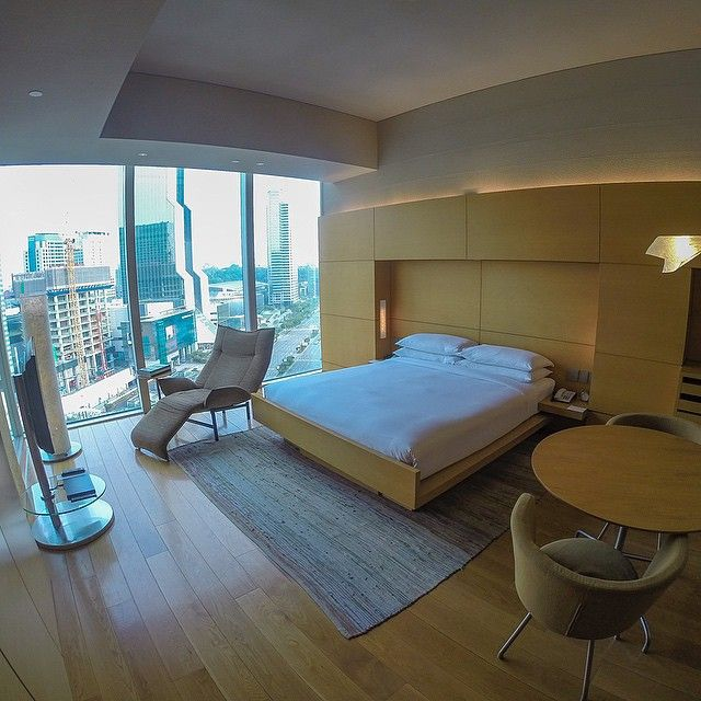 A great shot of a room at Park Hyatt Seoul. Photo courtesy of Fábio Vilela.