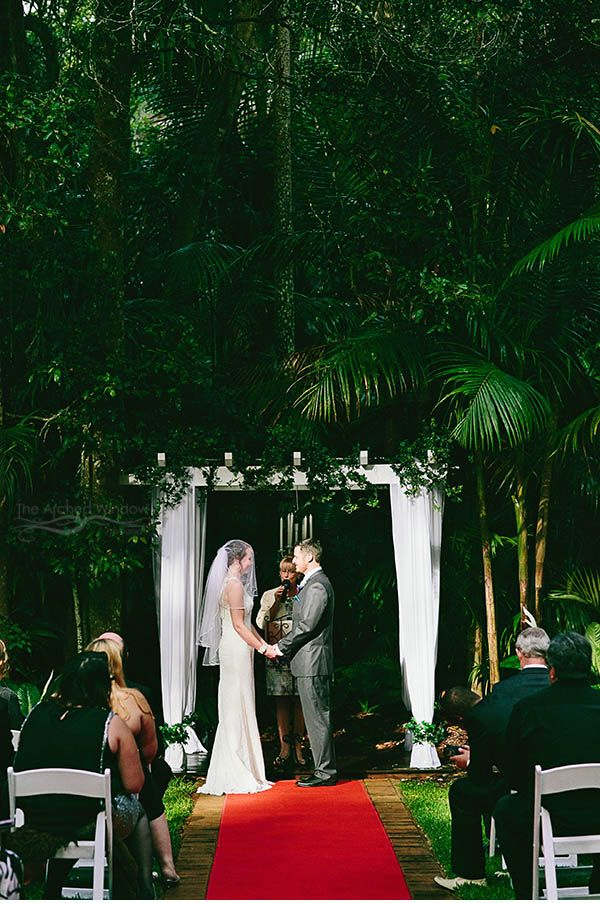 Beautiful rainforest wedding venue in Mt Tamborine - Pethers Rainforest Retreat. Photography by The Arched Window.