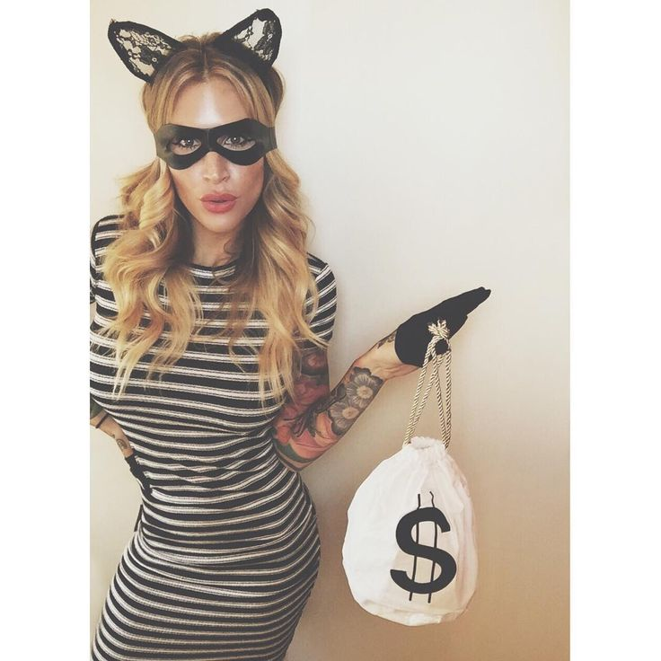 Punny, cute and super simple to DIY last-minute, this cat burglar Halloween costume is a win.