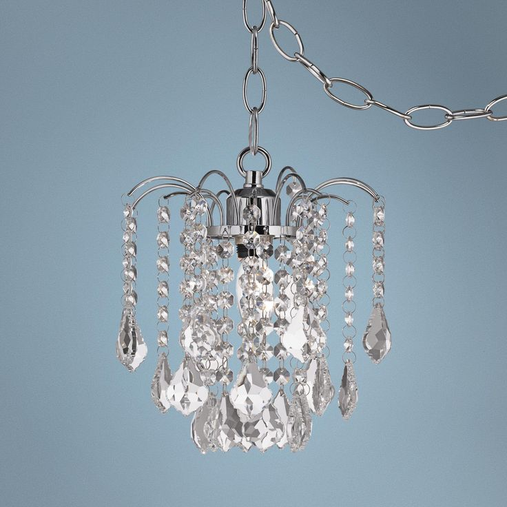 Chandeliers That Plug In: Nicolli Clear Crystal 8
