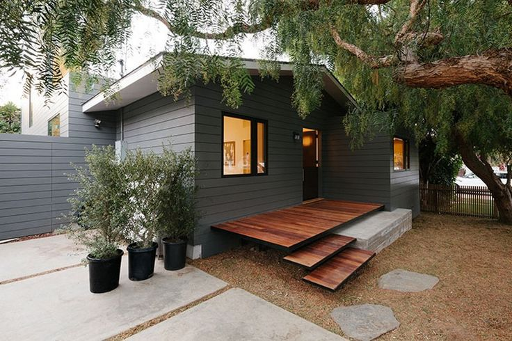 Upgraded Beach Bungalow Wrapped in Zinc Cladding: Bay Street Residence in California - http://www.interiordesign2014.com/interior-design-ideas/upgraded-beach-bungalow-wrapped-in-zinc-cladding-bay-street-residence-in-california/