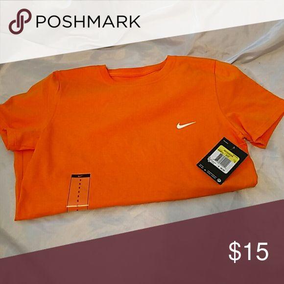 Nike womens tee orange NWT (LLP) Nike Tops Tees - Short Sleeve
