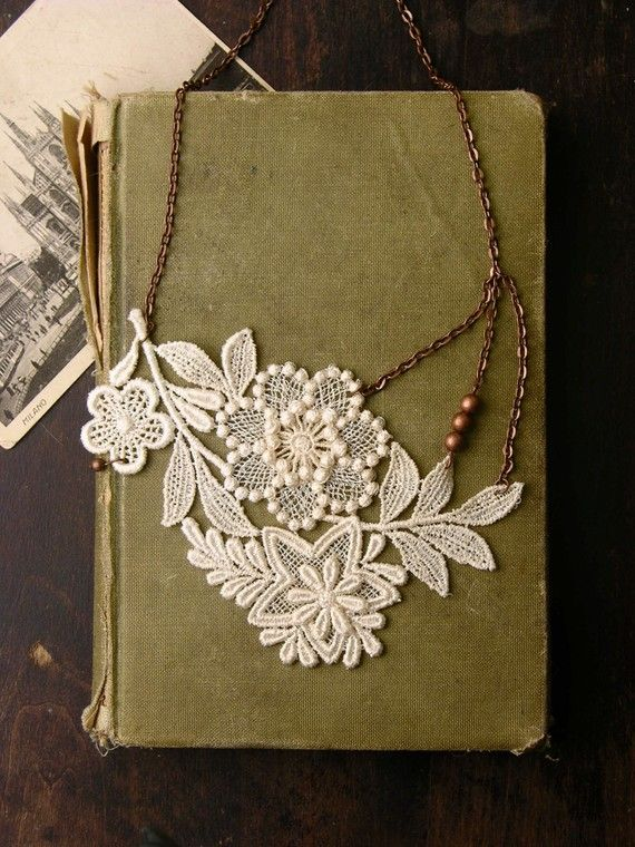 I think I can DIY this? Lace Necklace