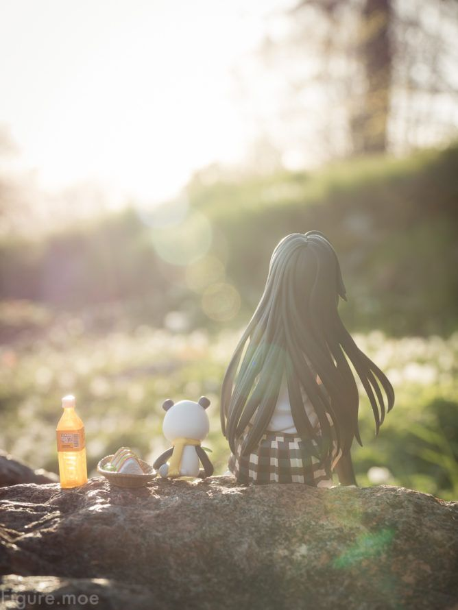 Yukino finds some quite time alone in the warming sunset. Check out the link for more photos: https://figure.moe/contemplation/