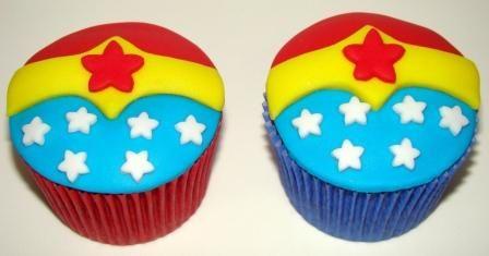 Place of Cakes: Cupcakes Mulher Maravilha da Giovanna