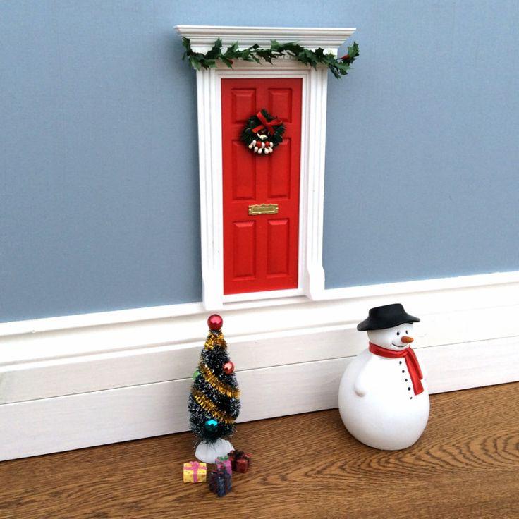 Christmas elf/fairy door set | hardtofind.
