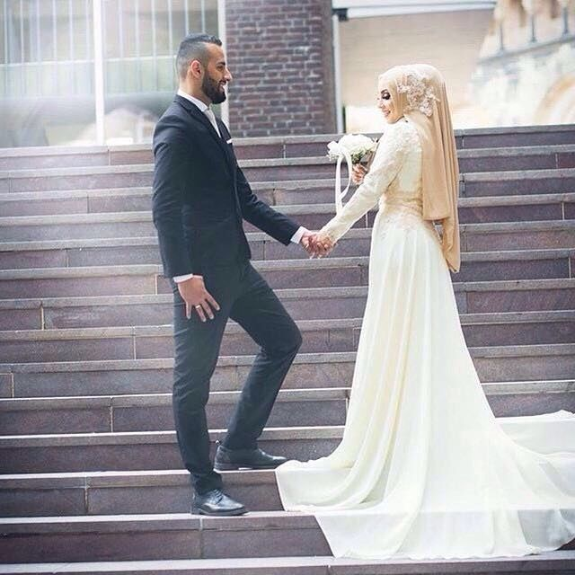 """514 Likes, 5 Comments - Hijabi Bride Fashion  (@hijabiwedding) on Instagram: """"Coz I couldn't not post this  dress by @salon_korona_ ✨ #hijabiwedding #hijabweddingdress…"""""""