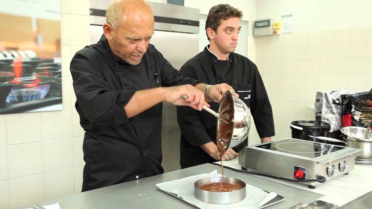 Τούρτα σοκολάτα με πραλίνα