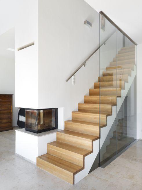 Treppe EG-OG - Wohnhaus am Kieselberg