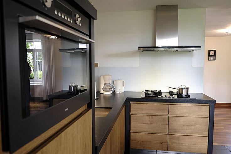 Houten en suite deuren google zoeken keuken pinterest zoeken - Badkamer zwart en hout ...