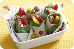 照り焼きチキンのトルティーヤラップ http://www.iris-kurashi.com/kitchen/cooking/deco-onigiri/03.asp