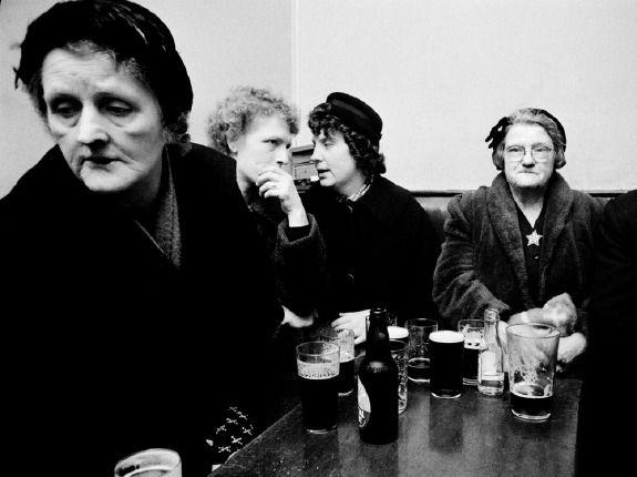Black Country women drinking in the pub, ca. 1960.  Photo by John Bulmer.