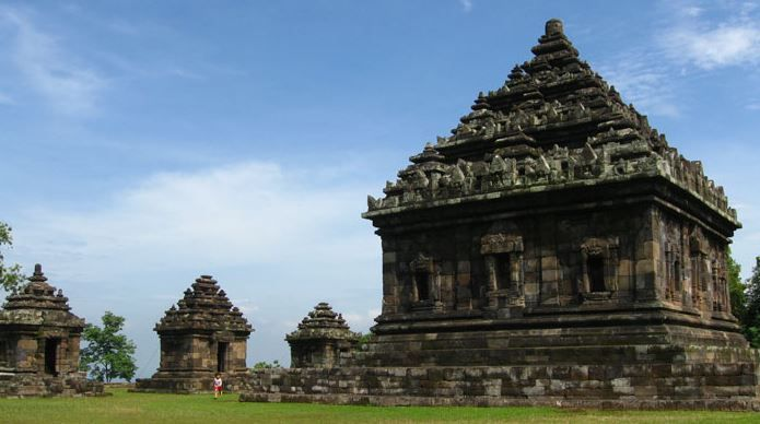 Ijo Temple is patterned Hindu enshrinement building, located four kilometers southeast of the Temple of Queen Boko. This temple is built in between the period of the 10th century up to the 11th AD during the time of the kingdom of Mataram Medang period. Ijo Temple located in Hamlet Groyokan, Sambirejo village, Prambanan subdistrict, Sleman, Yogyakarta.  More information can visit our website : https://wiratourjogja.com/paket-mobil/   or    http://wiratourjogja.co.id/sewa-mobil/