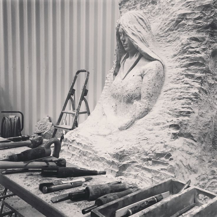 My workspot, where I'm working on this War Memorial monument..... Just a few more weeks now untill the deadline in March.....   #stonesculpture #warmemorial #monument