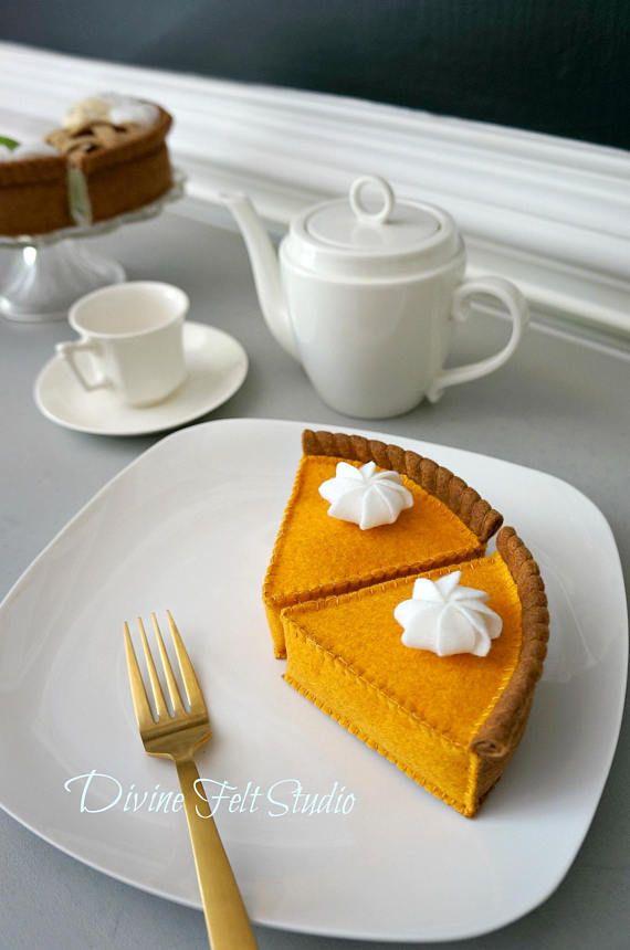 Dieses Angebot Beinhaltet 1 Stück Handgefertigte Filz Kürbis Kuchen. Es Ist  Eine Wunderbare Ergänzung Zu Ihrer Spielen Essen Und Filz Kuchen Sammlung!