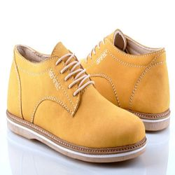 Sepatu Boot Coklat (R013)