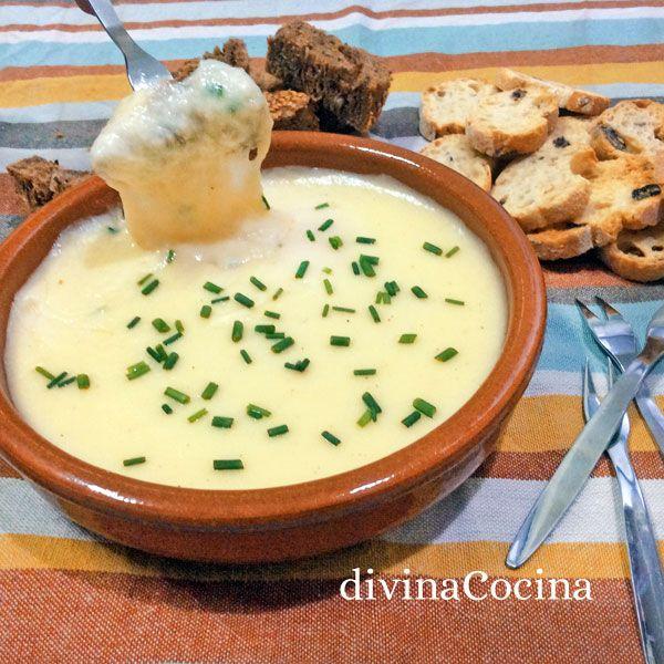 Con esta receta de fondue de queso rápida en microondas montas un aperitivo para compartir al centro solo con queso rallado y pocos ingredientes sencillos.
