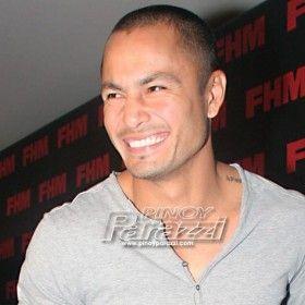 Derek Ramsay, iniligay sa alanganin ang TV career http://www.pinoyparazzi.com/derek-ramsay-iniligay-sa-alanganin-ang-tv-career/