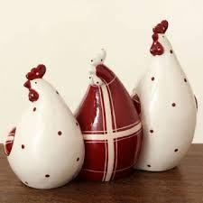 3 poules en rouge et blanc