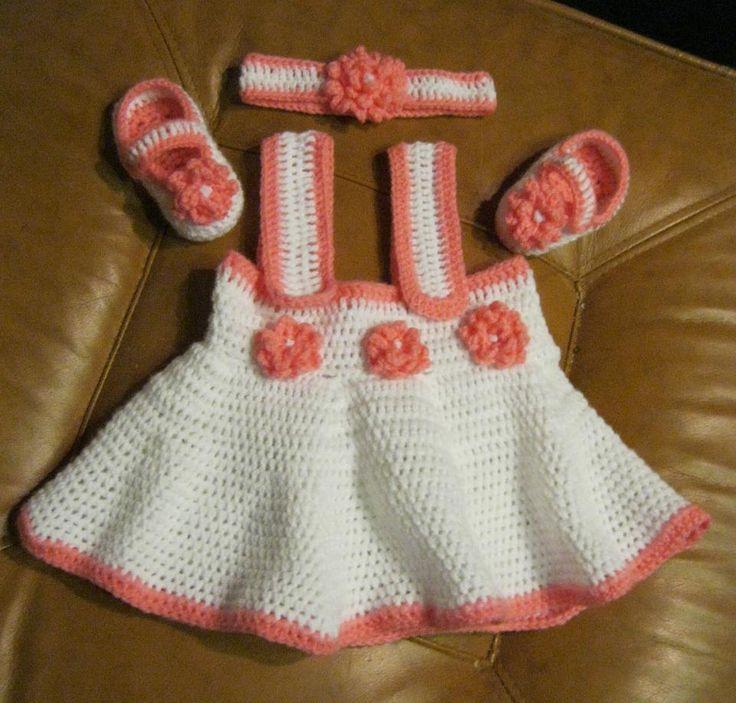 dětské háčkované šaty, botičky, čelenka