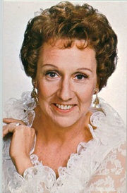 Jean Stapleton / Edith Bunker Dead at the age of 90  Funny Woman!