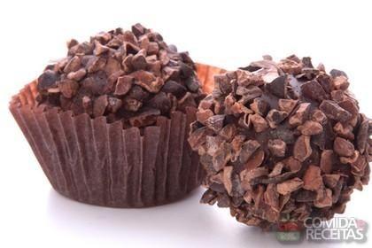 Receita de Bombom ferrero rocher caseiro em receitas de doces e sobremesas, veja essa e outras receitas aqui!