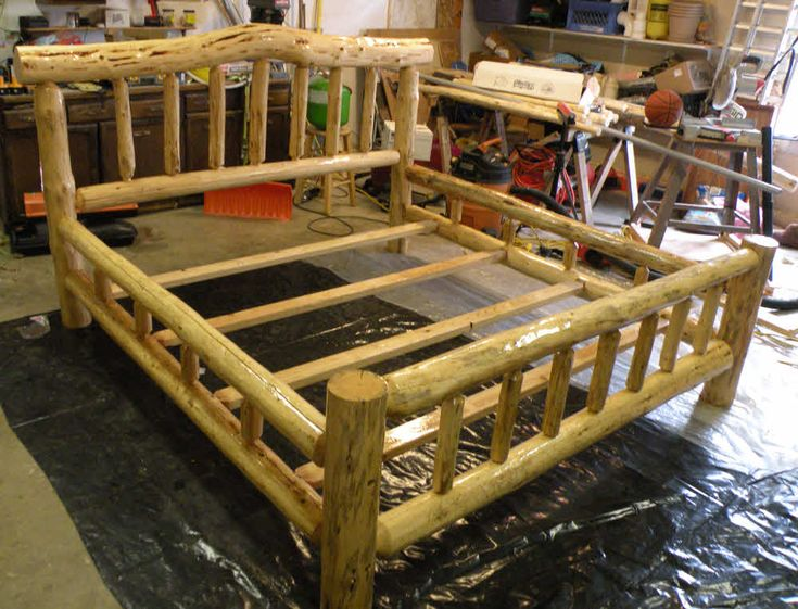 early log beds were made if anyone could have the bed of their dreams rustic beds